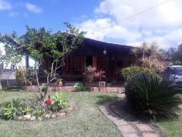 Casa em Maricá com piscina e churrasqueira para temporada