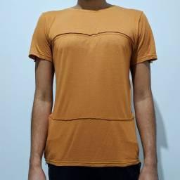 Camiseta Alongada com Zíper nas Laterais