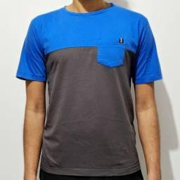 Camiseta Bicolor com Bolso