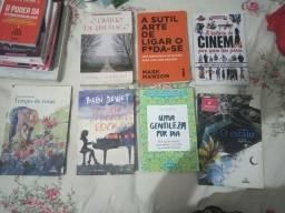 Livros usados e perfeito estado // preço variado (entregamos em terminais e shoppings)