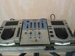 Kit com 2 CDJ-100S e mixer alemão Omnitronic