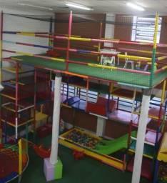 Brinquedão como piscina de bolinhas - 4 andares