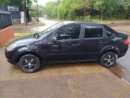 Fiesta sedan Zetec Rocam (Troco)