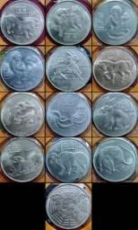 Álbum completo com moedas comemorativas da China em prata