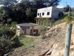 Casa no distrito de Ipoema, tranquilo com lote. Próximo a cachoeiras e belezas naturais