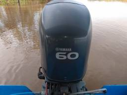 Lancha com 60 hp Yamaha 4 tempo