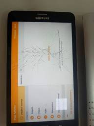 Título do anúncio: Vendo tablet sansung 8 gigas trincado pega chip e Whatsapp