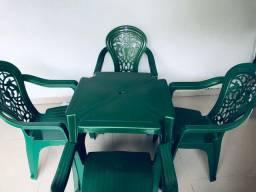 Jogo deluxe - Suporte 140Kg - 1 mesa e 4 cadeiras