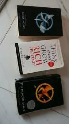 Doação de livros the Hunger games mockingjay think and grow rocha property