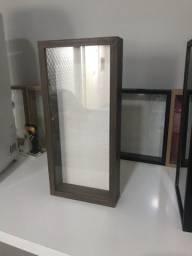 Porta rolhas em MDF 15mm com vidro (Artesanato)