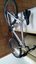 Bicicleta antiga seminova