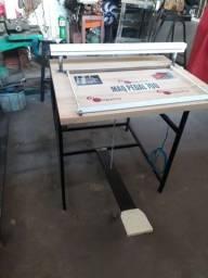 Máquina de fabricação de sacolas plásticas à pedal