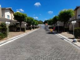 Excelente Casa duplex em condomínio no Eusébio
