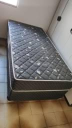 Vende-se cama mais base solteirão