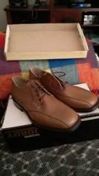 Sapato social n.40 na caixa nunca usado