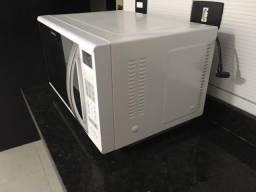 Micro ondas Panasonic 52 x 32 x 37