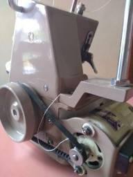 Máquina de costura overloque doméstica