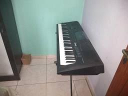 Vendo teclado Yamaha PSR we 400