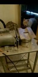 Ralador de milho novinho e uma guilhotina