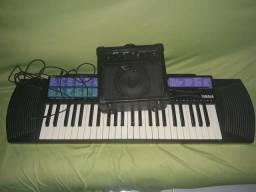 Teclado Musical mais Caixa Amplificada.