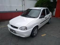 Corsa Sedan Classic - 2004 - 2004