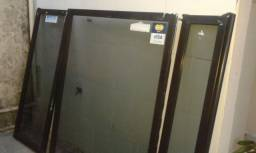 Divisória de vidro - altura 1,54 x 2,10 largura - Oportunidade!