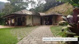 Casa em Itaipava com 4 quartos!