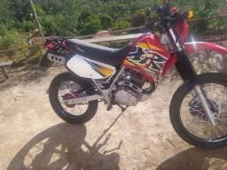Moto xr200
