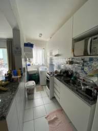 Apartamento com 03 Quartos e Varanda, Condomínio Porto Alegre, Seguro e Completo
