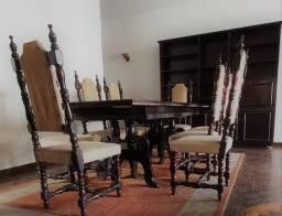 Mesa colonial antiga de imbuia com 8 lugares