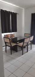 Vendo conjunto de mesa com 6 cadeiras