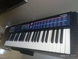 Vendo teclado CASIO CA-110 com  carregador