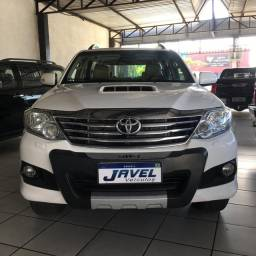 Hilux sw 4 7 lugares 2014