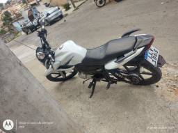 Yamaha fazer 150cc muito conservada não bate nada