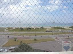 Apartamento 3 quartos com suíte em frente a praia em Cabo Frio - Próximo a padaria, mercad