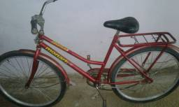 Bicicleta com freio de pé.