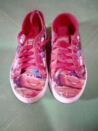 Vendo estes dois sapatos infantis