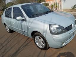 Clio sedan ano 2004 COMPLETO
