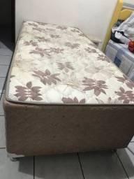 Vendo duas camas de solteiro Box