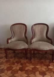 Duas cadeiras estofadas