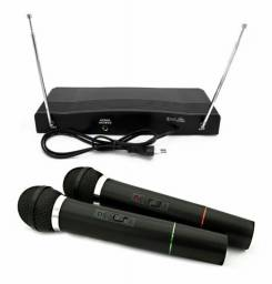 Conjunto de 2 Microfones Sem Fio WVNGR C-05 Para Igrejas, Karaoke, Festas e Eventos