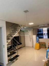 Casa Semi mobiliada com 3 dormitórios em condominio fechado