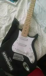 Guitarra Behringer! Preta
