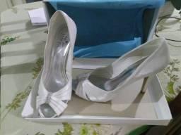 Vendo sapato de noiva *BARATO