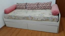 Bicama branca com colchão