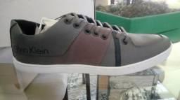 Sapatênis Calvin Klein Tam 41/42 Original e Novo de 250,00 por 200,00 (Menor Preço)