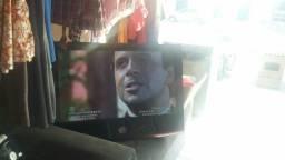 Estou vendendo tv Lg no preço não tem o pé