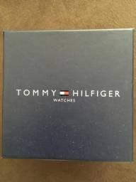 Relógio Tommy Hilfiger semi novo