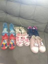 Vendo lindas sandálias infantis sem nenhum grave e o preço ?