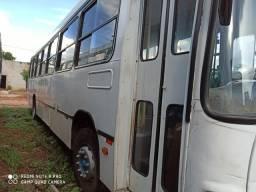 Vende-se ônibus Volks 17 210 bom estado